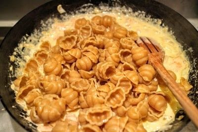 How to cook pasta. Salmon Vodka Pasta - Step 4