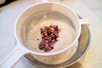 How to make a bowl of overnight oats. Rose & Pistachio Overnight Oats - Step 2