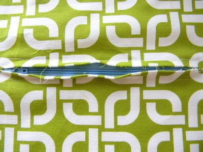 How to make a zipper pouch. Easy Zipper Pouch - Step 4