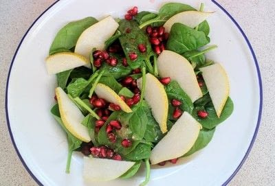 How to make a salad. Pear & Pomegranate Salad - Step 3
