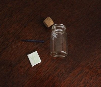 How to make a vial charm. Harry Potter Themed Jar Necklace - Step 4