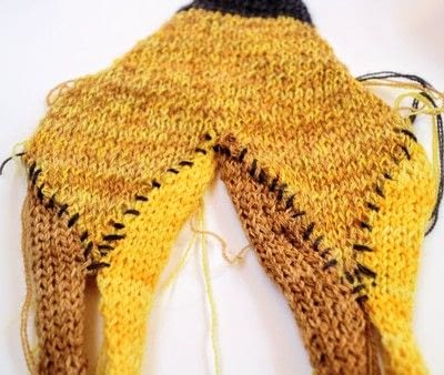 How to make a knit scarf / crochet scarf. Hb Pencil Scarf - Step 3