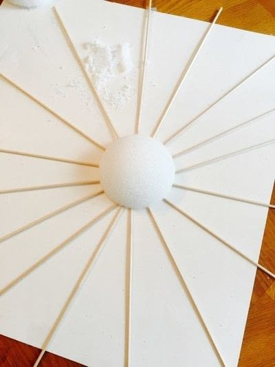 How to make a wall decal. Spring Sunburst - Step 2