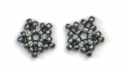 How to make a pair of beaded earrings. Five Petal Flower - Step 4