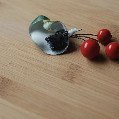 How to make a brooch / pin. Cherry Brooches - Step 5