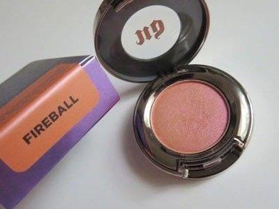 How to create a black eye makeup loop. Oil Slick Eye Make-Up Tutorial  - Step 9