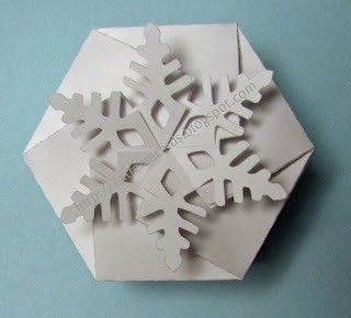 How to fold an origami box. Twist Top Snowflake Box - Step 3