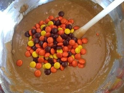 How to bake a cookie. Reeses Pieces Cookies - Step 5