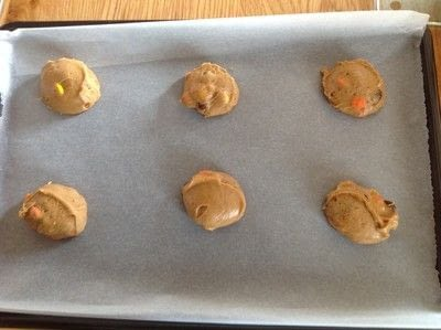 How to bake a cookie. Reeses Pieces Cookies - Step 6