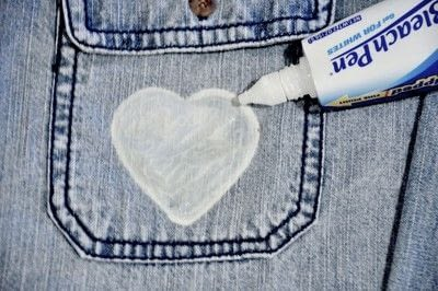 How to make a shirt. DIY Bleach Heart Pocket Shirt - Step 7
