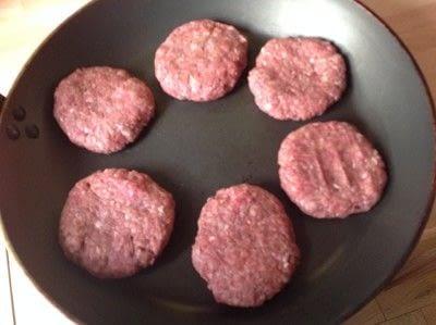 How to cook a beef dish. Salisbury Steak - Step 2