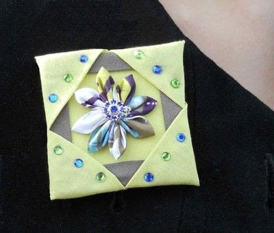 How to sew a fabric flower brooches. Kanzashi Fabric Brooch - Step 3