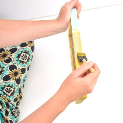 How to paint a painted photo frame. Wooden Frame Makeover - Step 3