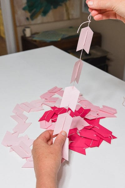 How to make a garland. No Sew Paper Garlands - Step 2