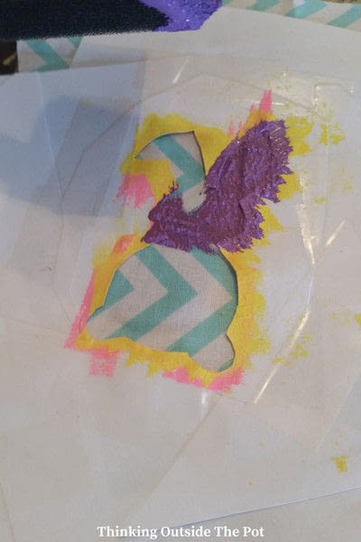 How to make bunting. Frugal Easter Bunny Banner - Step 3