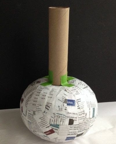 How to make a decoration. Decoupage Napkins On Paper Mache Vases - Step 3