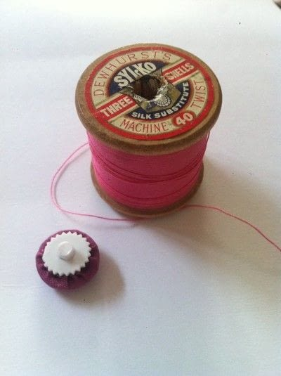 How to create a fashion / an accessory. Cover Your Own Buttons - Step 5