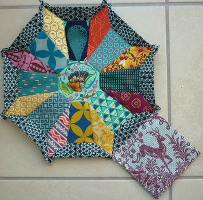 How to sew a patchwork cushion. Cartwheels Epp Block - Step 2