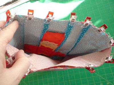 How to sew a patchwork tote. Easy Peasy Mini Tote Pattern - Step 8