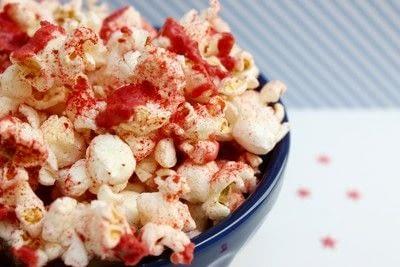 How to make popcorn. Strawberry Popcorn  - Step 5