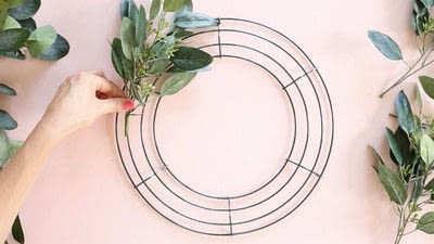 How to make a floral wreath. How To Make A Wreath - Step 2