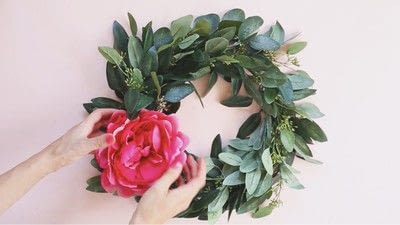 How to make a floral wreath. How To Make A Wreath - Step 4