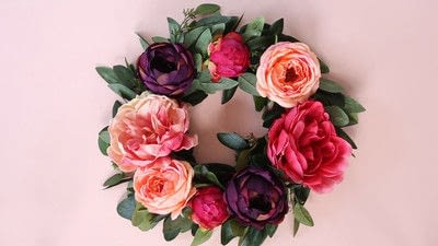 How to make a floral wreath. How To Make A Wreath - Step 6