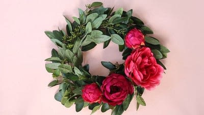 How to make a floral wreath. How To Make A Wreath - Step 7