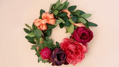 How to make a floral wreath. How To Make A Wreath - Step 8