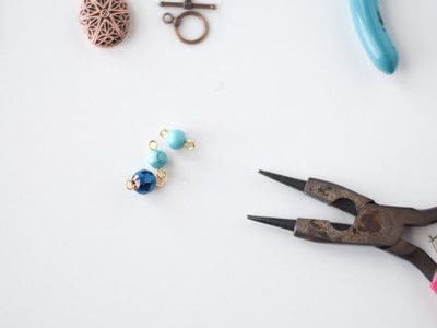 How to make a pendant necklace. Diy Essential Oil Necklace - Step 2