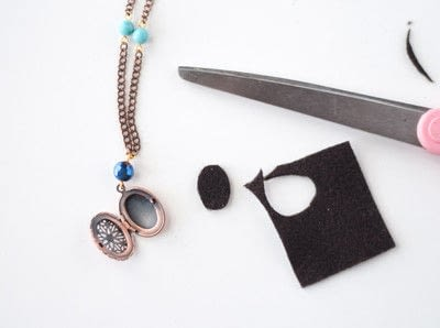 How to make a pendant necklace. Diy Essential Oil Necklace - Step 7