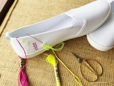 How to make a pair of embellished shoes. Diy: Custom Summer Shoes Embroidery - Step 1
