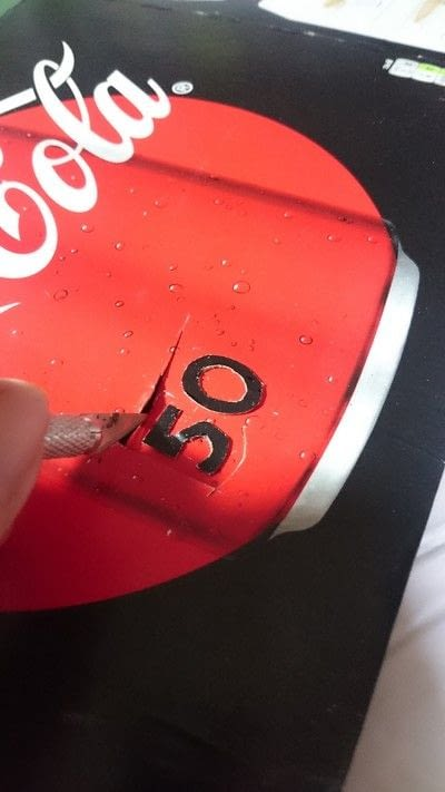 How to cut a piece of papercutting. 3 Different Gift Tags From One Coke Zero Box  - Step 6