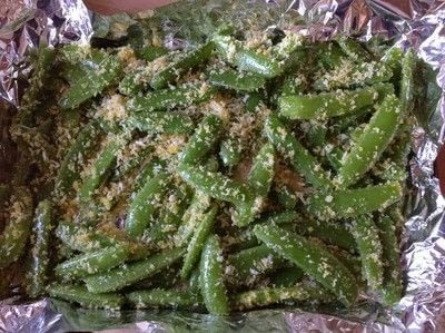 How to cook a vegetable dish. Crunchy Garlic Peas  - Step 4