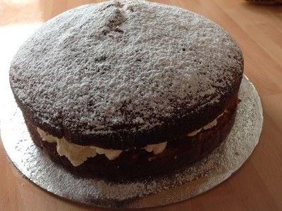 How to bake a sponge cake. Victoria Sandwich Cake - Step 12