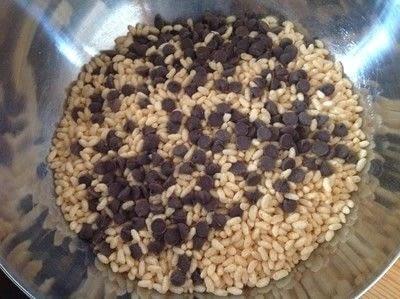 How to bake a bar / slice. Cookie Dough Krispie Treats - Step 2