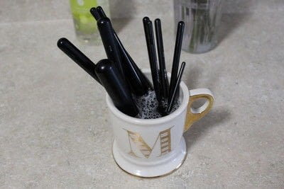 How to create a makeup look. Cleaning Makeup Brushes - Step 3