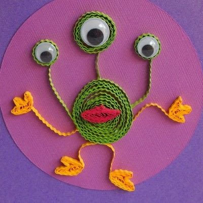 How to make a quilled greetings card. Paper Quilled Alien - Step 4