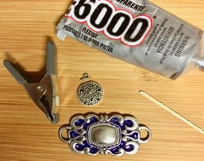 How to make a recycled bracelet. Magic Up Cycled Link Belt Cuff Bracelet - Step 5