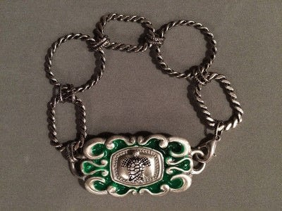 How to make a recycled bracelet. Magic Up Cycled Link Belt Cuff Bracelet - Step 7