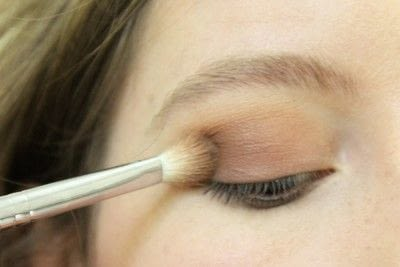 How to create a smokey eye. Smokey Eye - Step 3