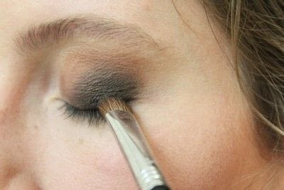 How to create a smokey eye. Smokey Eye - Step 4
