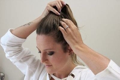 How to style a messy bun. Messy Bun - Step 2