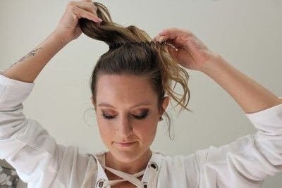 How to style a messy bun. Messy Bun - Step 3