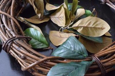 How to make a wreath. Diy Magnolia Leaf Wreath - Step 2