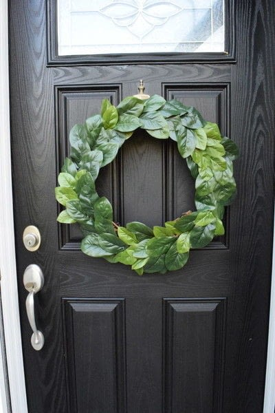 How to make a wreath. Diy Magnolia Leaf Wreath - Step 6