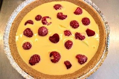 How to bake a custard tart. Peach & Raspberry Custard Tart - Step 7