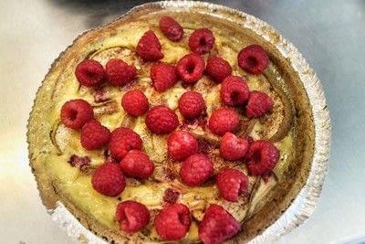 How to bake a custard tart. Peach & Raspberry Custard Tart - Step 10