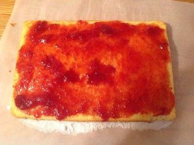 How to bake a sponge cake. Swiss Roll - Step 5