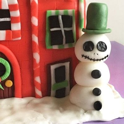 How to decorate a novelty cake. How To Make A Nightmare Before Christmas Cake - Step 2